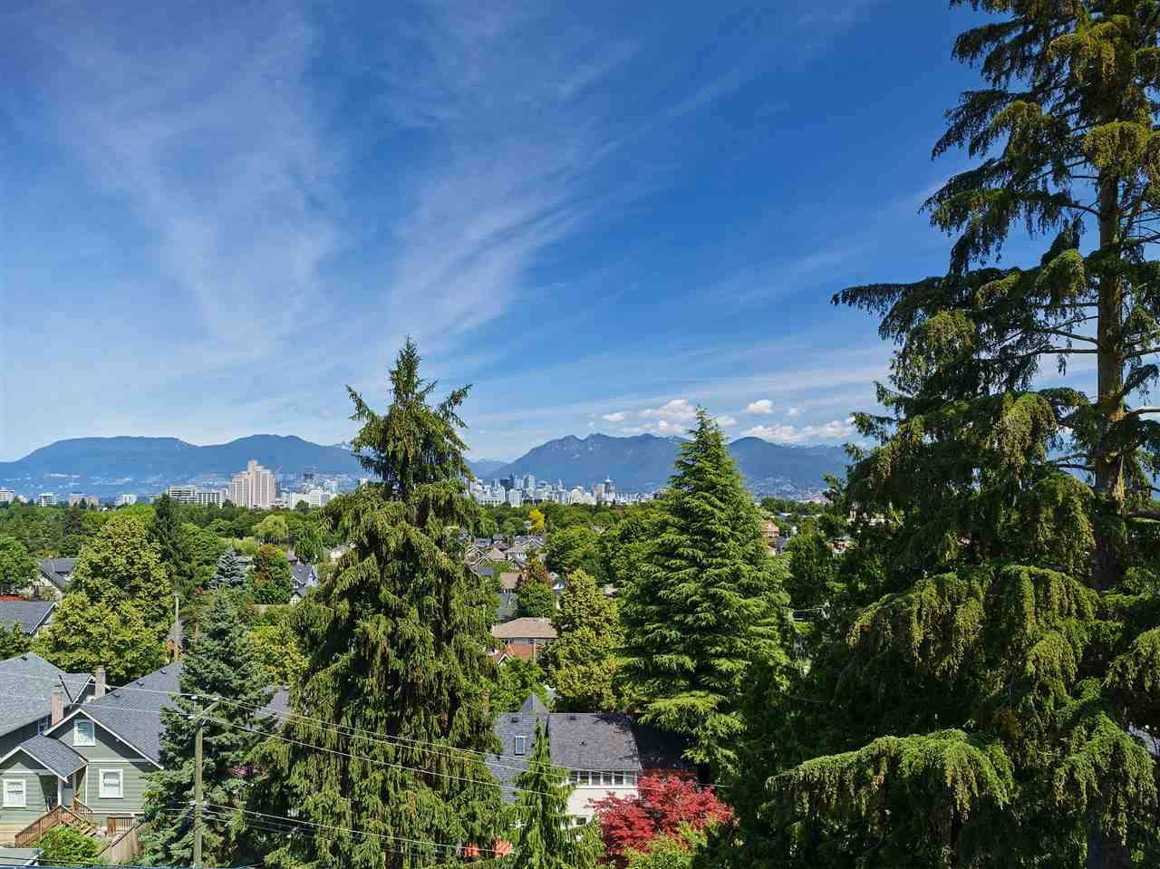 """Main Photo: 405 633 W KING EDWARD Avenue in Vancouver: Cambie Condo for sale in """"AMBER BY ARAGON"""" (Vancouver West)  : MLS®# R2482116"""