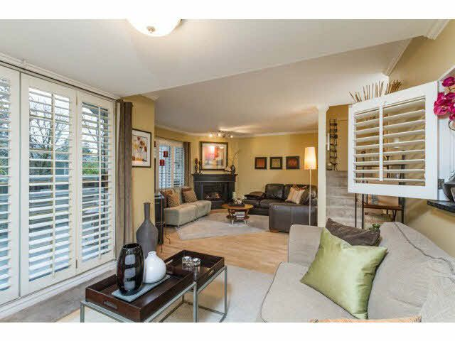Main Photo: 14 838 TOBRUCK Avenue in North Vancouver: Hamilton Townhouse for sale : MLS®# V1095285