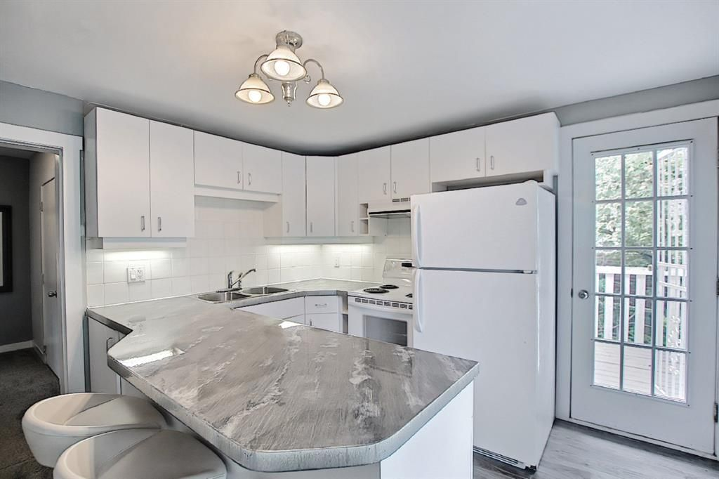 Photo 6: Photos: 2122 5 Street SW in Calgary: Cliff Bungalow Detached for sale : MLS®# A1115201
