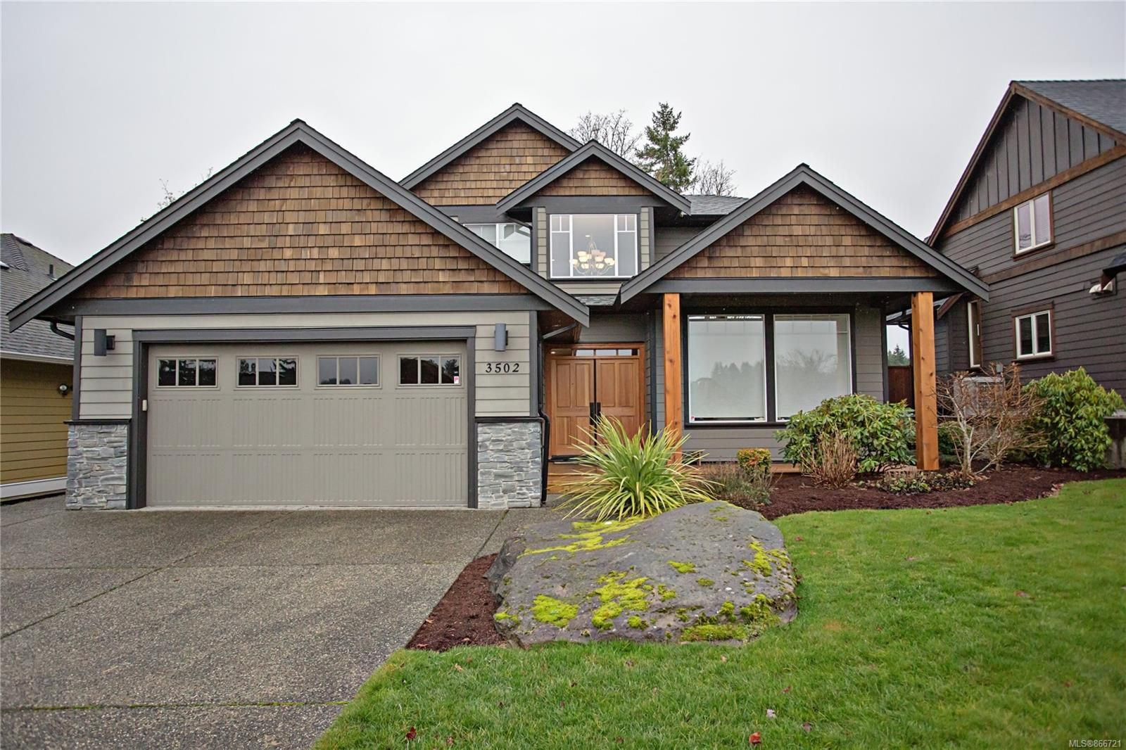 Main Photo: 3502 Castle Rock Dr in : Na North Jingle Pot House for sale (Nanaimo)  : MLS®# 866721