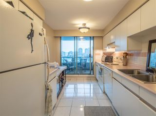 """Photo 10: 501 888 HAMILTON Street in Vancouver: Downtown VW Condo for sale in """"ROSEDALE GARDEN"""" (Vancouver West)  : MLS®# R2518975"""