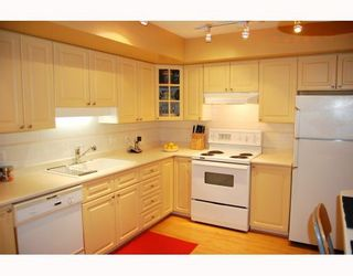 "Photo 4: 25 788 W 15TH Avenue in Vancouver: Fairview VW Townhouse for sale in ""16 WILLOWS"" (Vancouver West)  : MLS®# V756826"