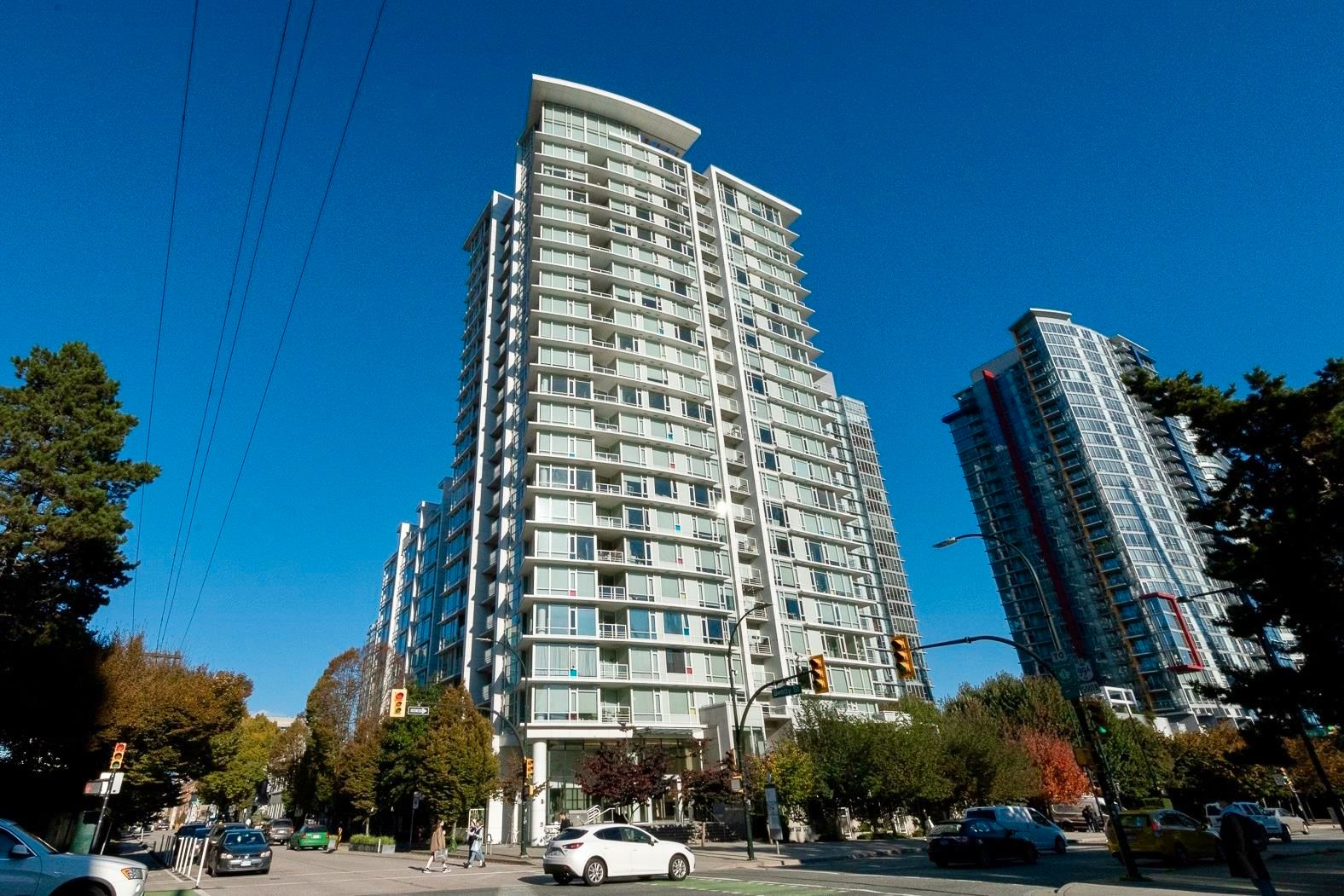 """Main Photo: 1809 161 W GEORGIA Street in Vancouver: Downtown VW Condo for sale in """"COSMO"""" (Vancouver West)  : MLS®# R2624966"""