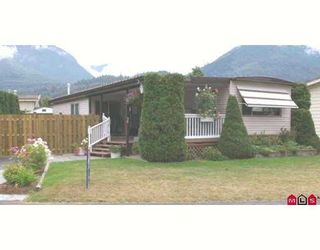 """Photo 1: 38 46511 CHILLIWACK LAKE Road in Sardis: Chilliwack River Valley Manufactured Home for sale in """"BAKER TRAIL ESTATES"""" : MLS®# H2704117"""