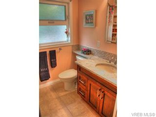 Photo 9: 5036 Sunrise Terr in VICTORIA: SE Cordova Bay House for sale (Saanich East)  : MLS®# 743056