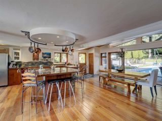 Photo 15: 7117 SECHELT INLET Road in Sechelt: Sechelt District House for sale (Sunshine Coast)  : MLS®# R2578615