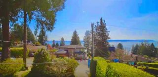 Photo 3: 2643 LAWSON Avenue in West Vancouver: Dundarave House for sale : MLS®# R2558751