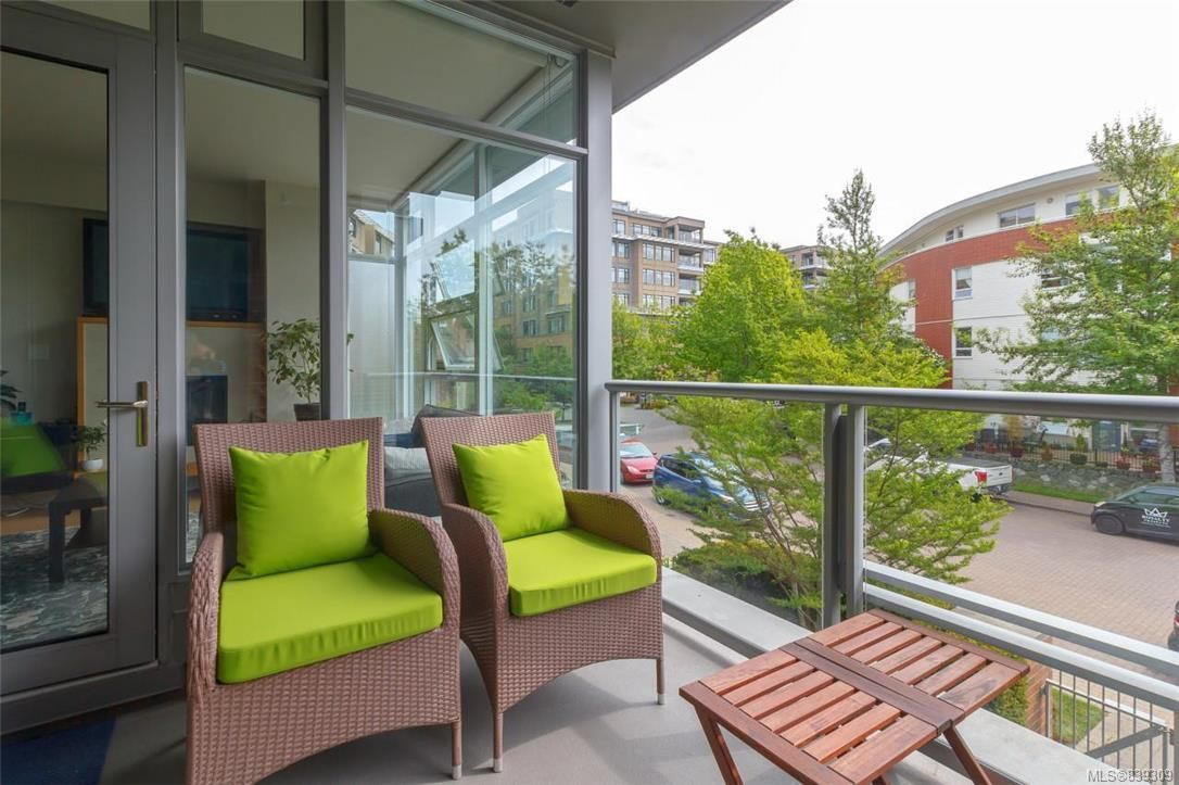 Photo 9: Photos: 219 365 Waterfront Cres in Victoria: Vi Rock Bay Condo for sale : MLS®# 839309