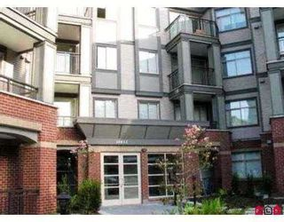 """Photo 2: 110 10455 UNIVERSITY Drive in Surrey: Whalley Condo for sale in """"D'Cor"""" (North Surrey)  : MLS®# R2236174"""