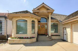 Photo 4: 758 Butterworth Drive in Edmonton: Zone 14 House for sale : MLS®# E4246090