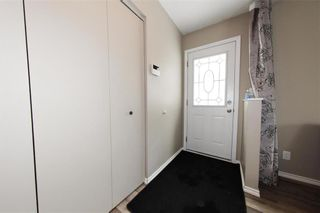 Photo 9: 29 East Lake Drive in Winnipeg: Waverley Heights Residential for sale (1L)  : MLS®# 202108599