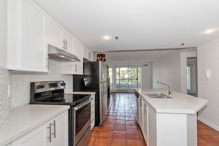 """Photo 9: 311 1988 MAPLE Street in Vancouver: Kitsilano Condo for sale in """"THE MAPLES"""" (Vancouver West)  : MLS®# R2497159"""