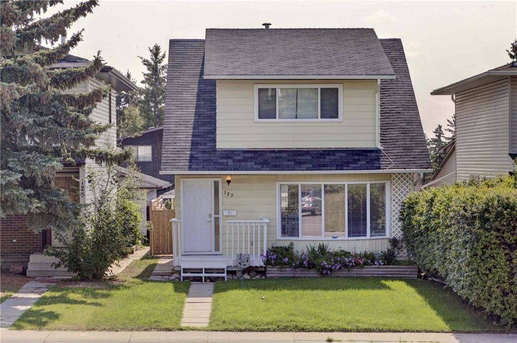 Main Photo: 123 RANCH GLEN Place NW in Calgary: Ranchlands Detached for sale : MLS®# C4197696