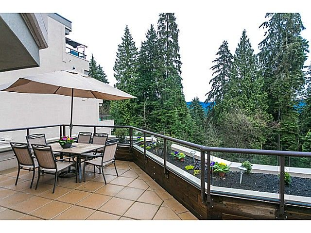 Patio & view - 281 sq. ft.