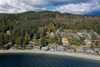 Main Photo: 6896 SUNSHINE COAST Highway in Sechelt: Sechelt District House for sale (Sunshine Coast)  : MLS®# R2549421