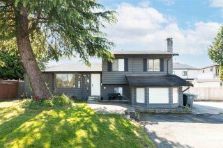 Photo 1: 7953 134A Street in Surrey: West Newton House for sale : MLS®# R2577697