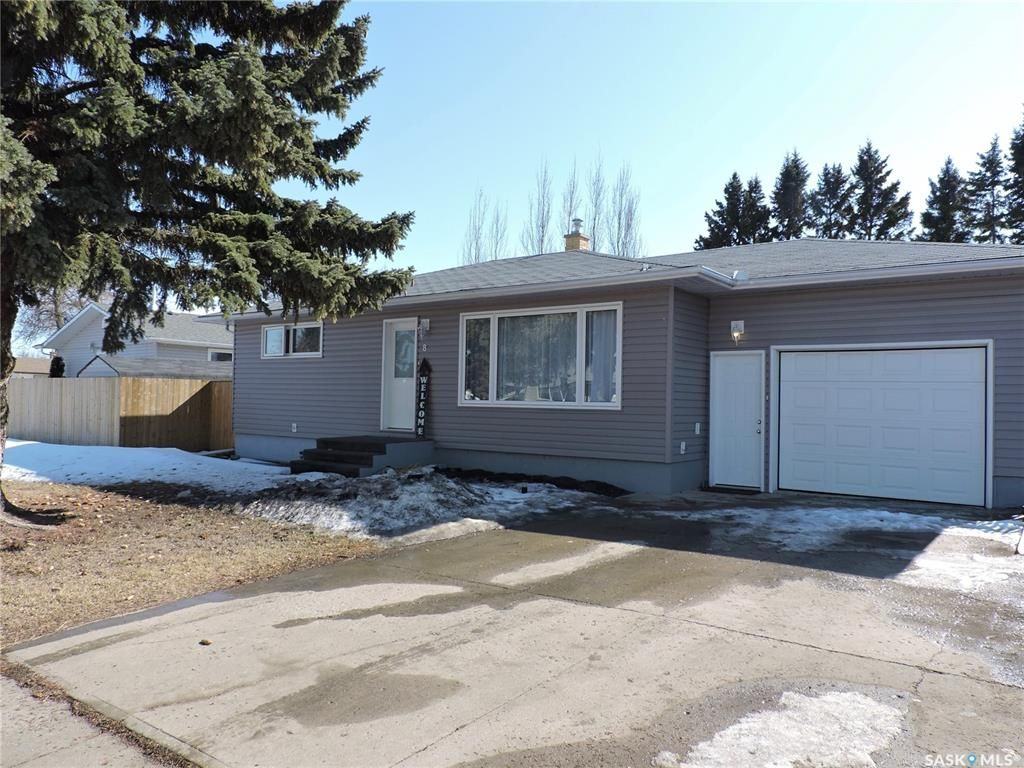 Main Photo: 8 Dalewood Crescent in Yorkton: Residential for sale : MLS®# SK846294