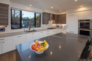Photo 4: ENCINITAS House for sale : 5 bedrooms : 307 La Mesa Ave