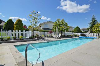"""Photo 19: 72 8737 212 Street in Langley: Walnut Grove Townhouse for sale in """"Chartwell Green"""" : MLS®# R2564221"""