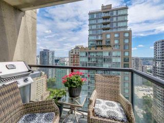 Photo 12: Vancouver West: Condo for sale : MLS®# R2077487