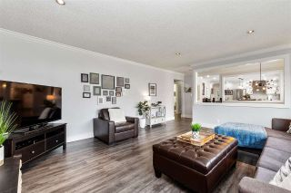 Photo 4: 2426 TOLMIE Avenue in Coquitlam: Central Coquitlam House for sale : MLS®# R2559983