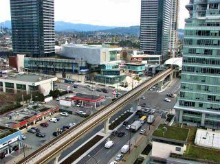 """Photo 11: 1705 2008 ROSSER Avenue in Burnaby: Brentwood Park Condo for sale in """"STRATUS AT SOLO DISTRICT"""" (Burnaby North)  : MLS®# R2436831"""