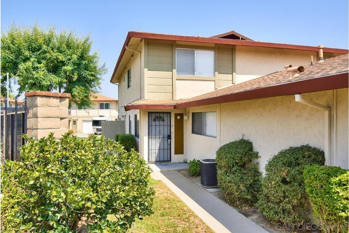 Main Photo: SANTEE Townhouse for sale : 2 bedrooms : 9846 Mission Vega Rd #2