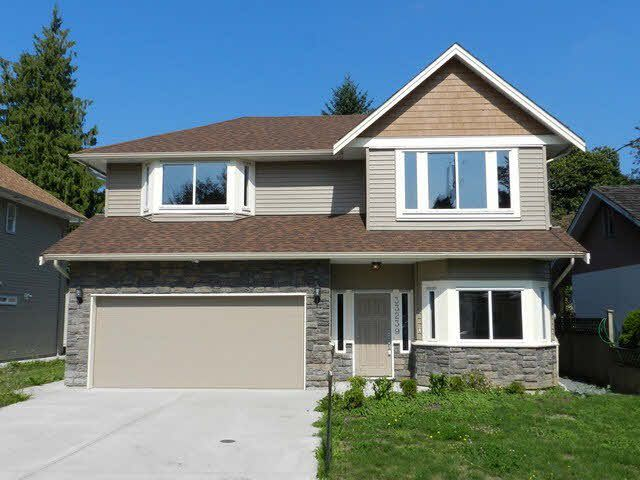 Main Photo: 33239 6TH Avenue in Mission: Mission BC House for sale : MLS®# F1445812