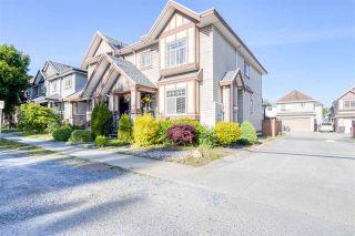 Photo 4: 7118 144 Street in Surrey: East Newton 1/2 Duplex for sale : MLS®# R2588083
