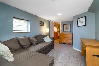 Photo 23: 15591 VICTORIA Avenue: House for sale in White Rock: MLS®# R2604648