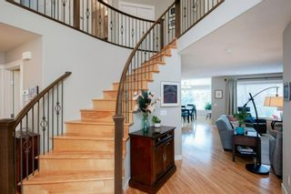Photo 3: 5 Simcoe Gate SW in Calgary: Signal Hill Detached for sale : MLS®# A1134654