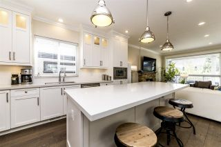 Photo 6: 723 E 15TH STREET in North Vancouver: Boulevard House for sale : MLS®# R2363687