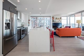 """Photo 5: 3106 128 W CORDOVA Street in Vancouver: Downtown VW Condo for sale in """"WOODWARDS W43"""" (Vancouver West)  : MLS®# R2616664"""
