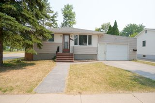 Photo 1: 142 7th ST NW in Portage la Prairie: House for sale : MLS®# 202117275