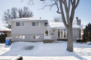 Photo 1: 11 Minot Drive in Regina: Normanview West Residential for sale : MLS®# SK841641