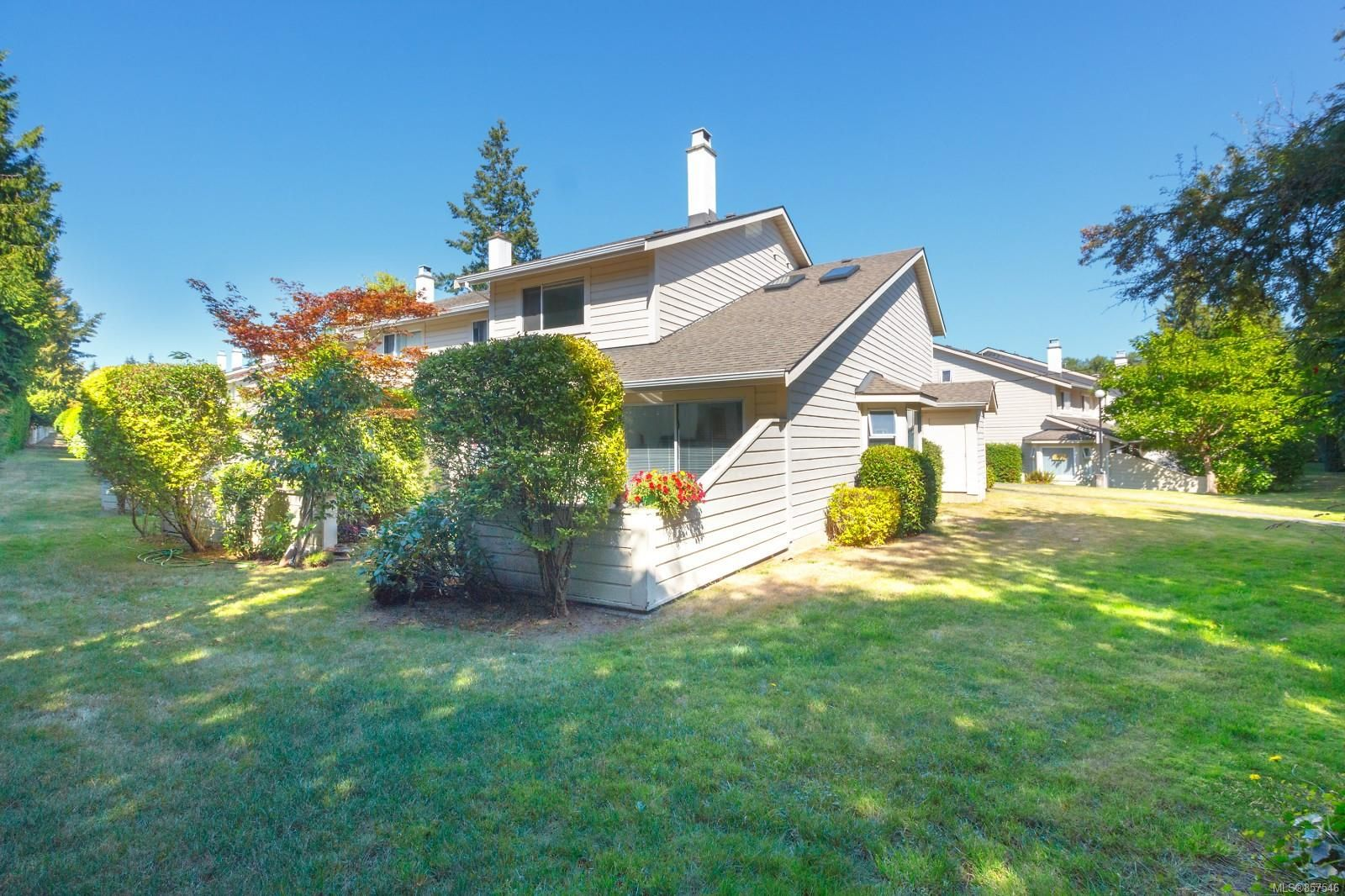 Main Photo: 39 1287 Verdier Ave in : CS Brentwood Bay Row/Townhouse for sale (Central Saanich)  : MLS®# 857546