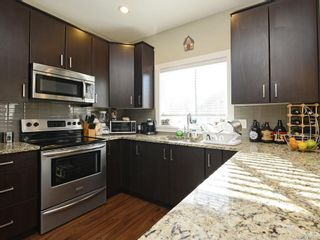 Photo 5: 2998 Alouette Dr in Langford: La Westhills House for sale : MLS®# 772078