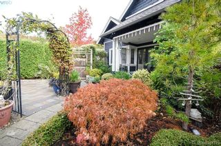 Photo 43: 922 Lawndale Ave in VICTORIA: Vi Fairfield East House for sale (Victoria)  : MLS®# 800501