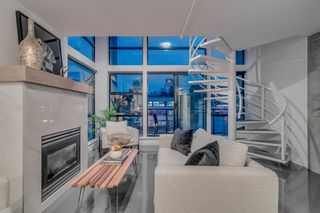 """Photo 5: 501 428 W 8TH Avenue in Vancouver: Mount Pleasant VW Condo for sale in """"XL LOFTS"""" (Vancouver West)  : MLS®# R2214757"""