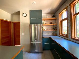 Photo 13: 9841 MCKENZIE Road in Halfmoon Bay: Halfmn Bay Secret Cv Redroofs House for sale (Sunshine Coast)  : MLS®# R2594064