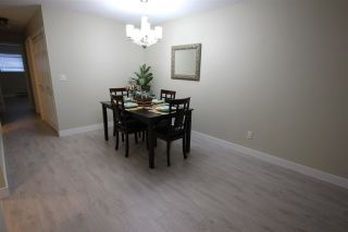 """Photo 9: 14821 HOLLY PARK Lane in Surrey: Guildford Townhouse for sale in """"HOLLY PARK LANE"""" (North Surrey)  : MLS®# R2226961"""