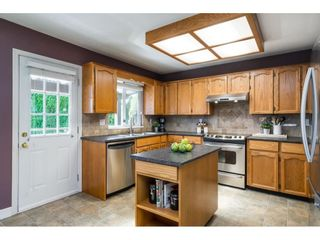 Photo 10: 9015 204 ST Street in Langley: Walnut Grove House for sale : MLS®# R2591362