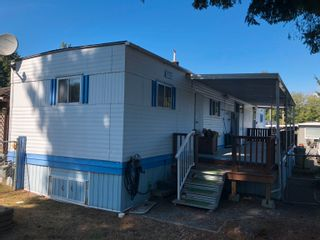 Photo 4: 60 8266 KING GEORGE Boulevard in Surrey: Bear Creek Green Timbers Manufactured Home for sale : MLS®# R2615416
