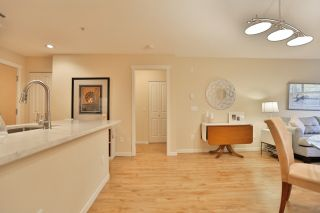 Photo 11: 102 400 KLAHANIE DRIVE in Port Moody: Port Moody Centre Condo for sale : MLS®# R2013966