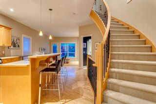 Photo 7: 810 21 Avenue NW in Calgary: Mount Pleasant Detached for sale : MLS®# A1016102