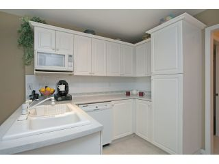 """Photo 9: 54 15959 82ND Avenue in Surrey: Fleetwood Tynehead Townhouse for sale in """"CHERRY TREE LANE"""" : MLS®# R2035228"""