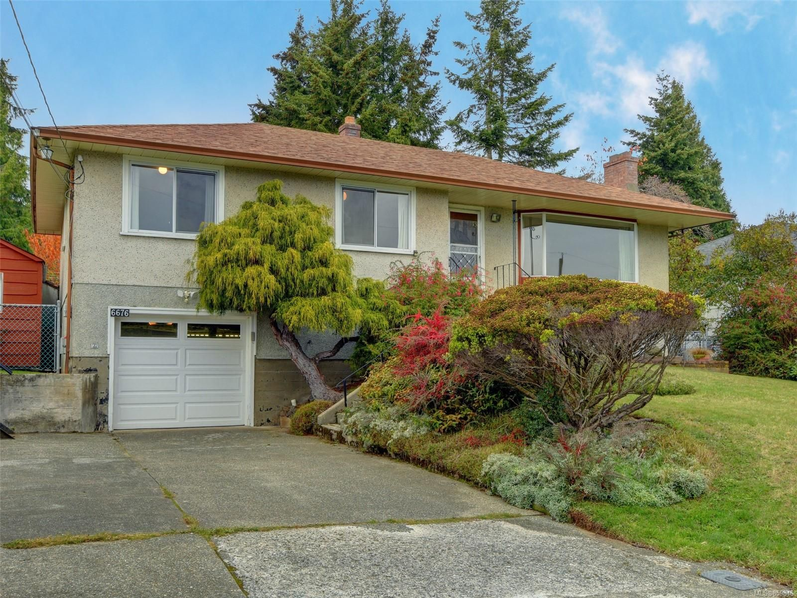 Main Photo: 6676 Goodmere Rd in : Sk Sooke Vill Core House for sale (Sooke)  : MLS®# 859846