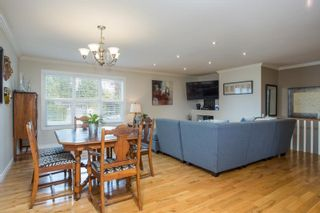 Photo 10: 926 KOMARNO Court in Coquitlam: Chineside House for sale : MLS®# R2584778
