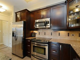 Photo 10: 103 3220 Jacklin Rd in VICTORIA: La Walfred Condo for sale (Langford)  : MLS®# 753156