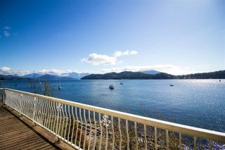Photo 1: 462 MARINE DRIVE in Gibsons: Gibsons & Area House for sale (Sunshine Coast)  : MLS®# R2457861